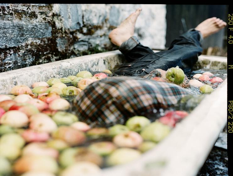 Hiut Denim Lookbook shot by San Francisco based photographer Andrew Paynter.