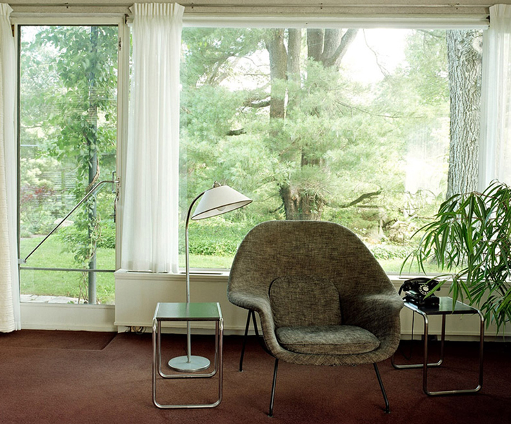 Walter Gropius' House, Womb Chair by Eero Saarinen and Marcel Breuer tables.