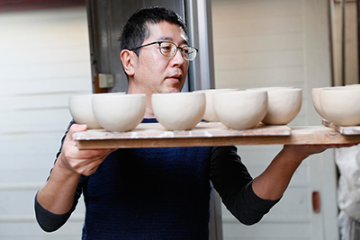 Makoto Asebi at his studio in Kamakura, Japan.