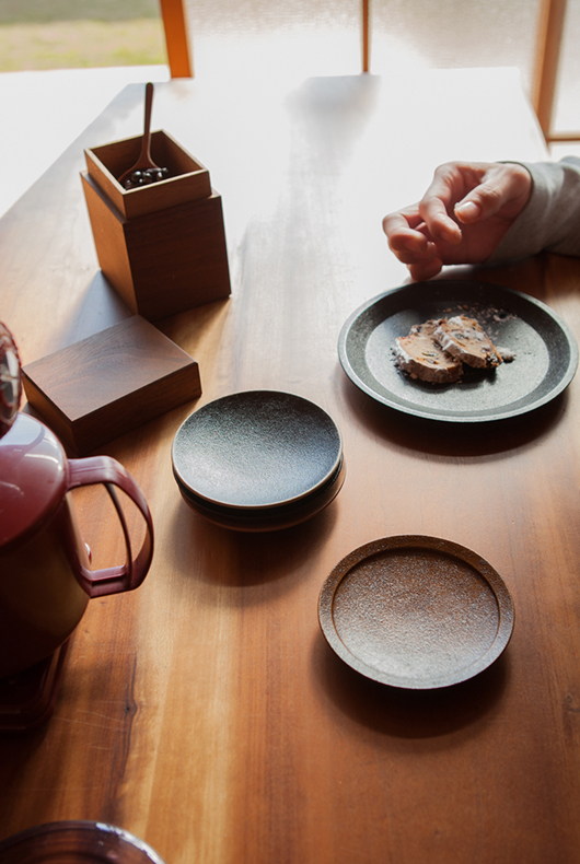 Lacquer objects in use at Kenichi Fujii's house in Ono City.