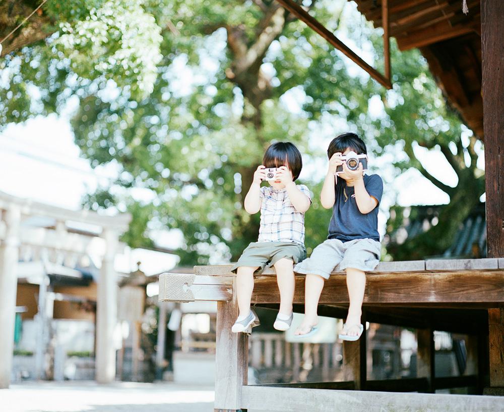 Haru and Mina by Japanese Photographer Hideaki Hamada