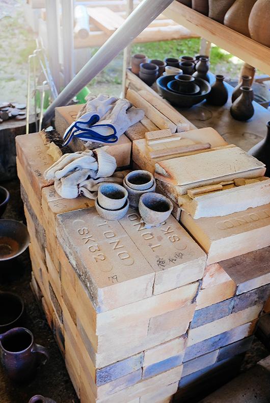 Keiji Tanaka's kiln equipment in Hino, Shiga Prefecture.
