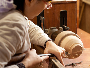 Handcrafted Woodwork at Maiko Okuno's Workshop