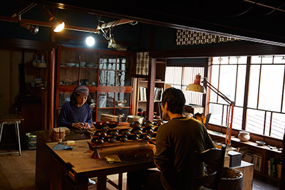 A look inside the workshop of Japanese lacquer artist Akihiko Sugita in Kanazawa, Ishikawa Prefecture.